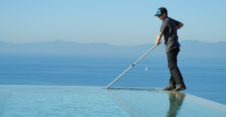cleaning_infinity_pool